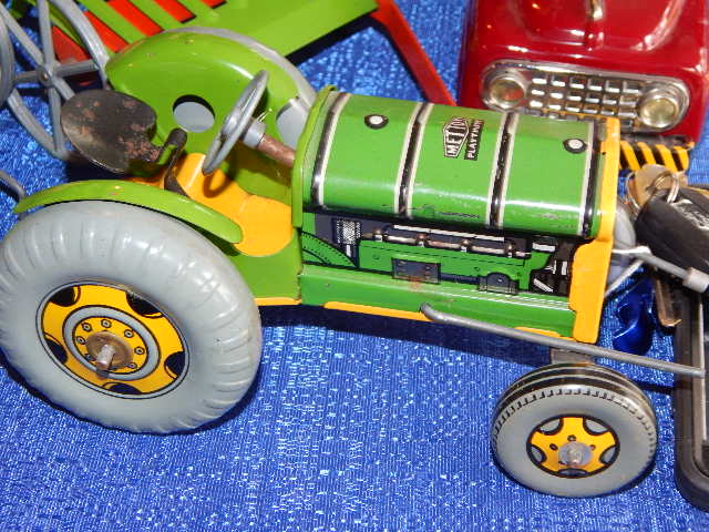 IMPORTANT TOY FARM TRACTOR AND CONS...
